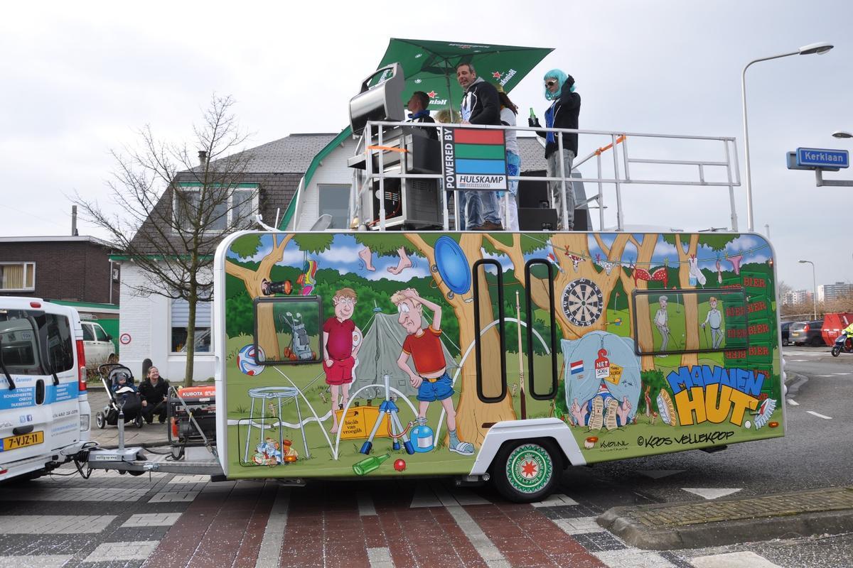 On board the Mannen Caravan