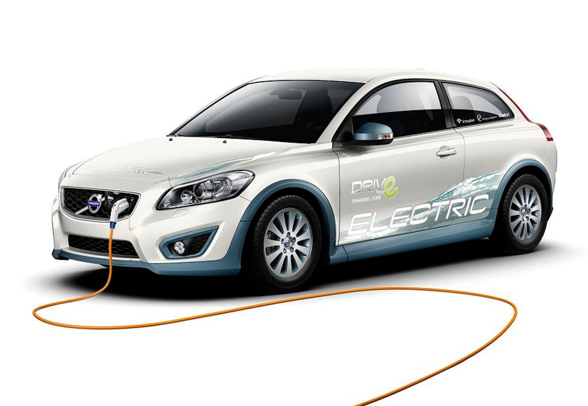 While it looks like a regular Volvo C30 with the same safety, comfort and space as featured in standard model the big difference is that the C30 Electric is powered solely by electricity
