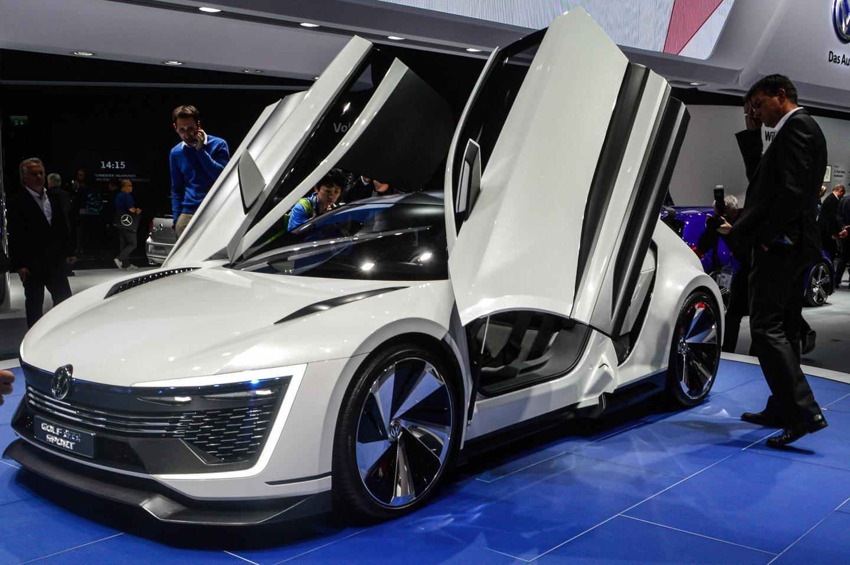 Volkswagen shows the Golf GTE Sport Concept
