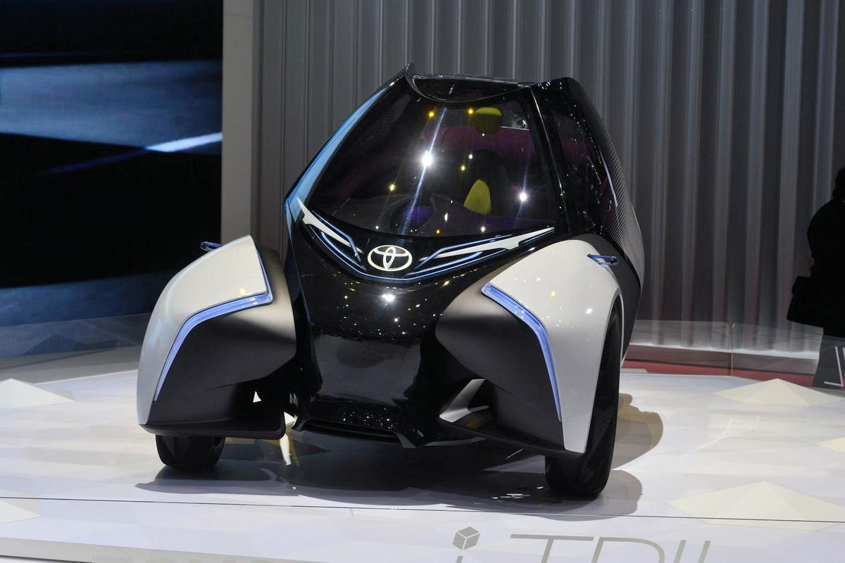 The Toyota i-Tril does a tilting curtsy for its debut in Geneva this week