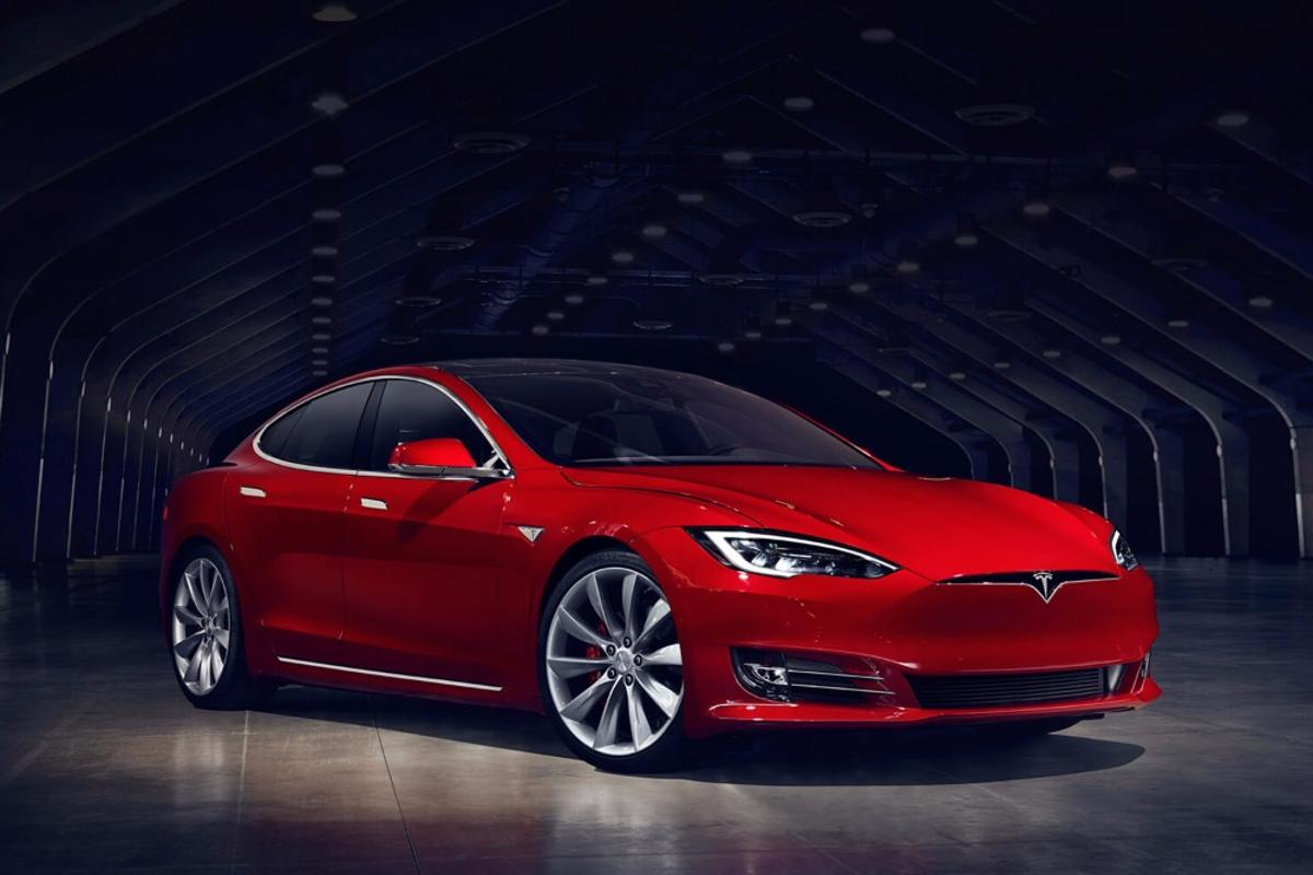 The new Model S has a sharper look and apocalypse-spec air conditioning