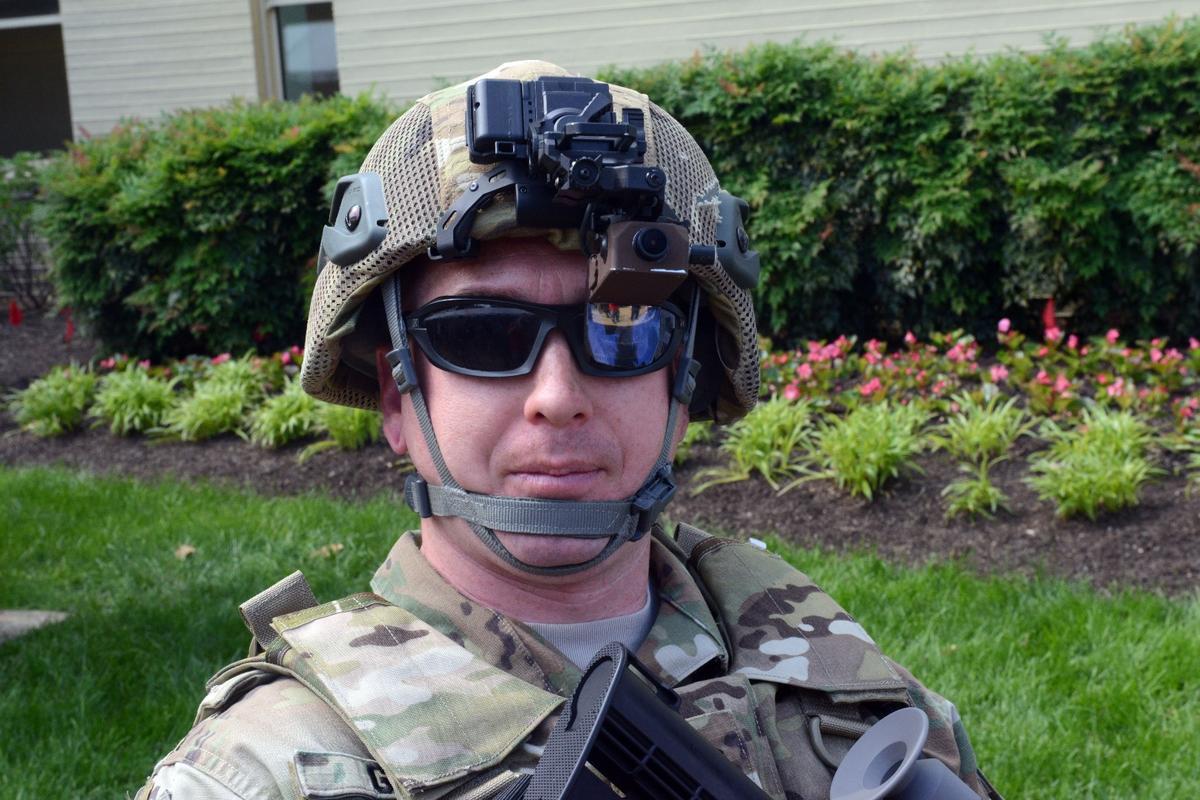 The TAR display is mounted on regular US Army helmets