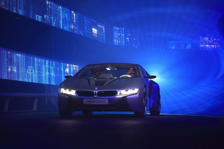 BMW's i8 concept will be the first vehicle to sport laser headlights