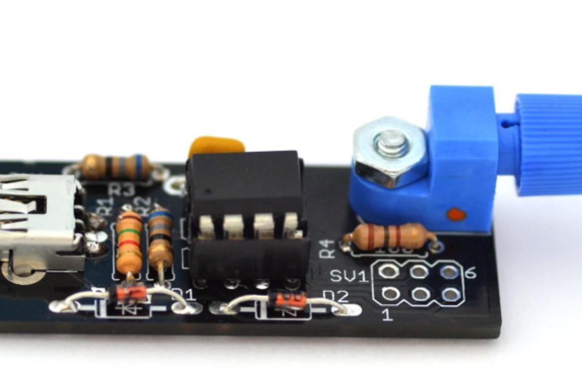 oneTesla shrinks its singing Tesla coil kit to palm-friendly