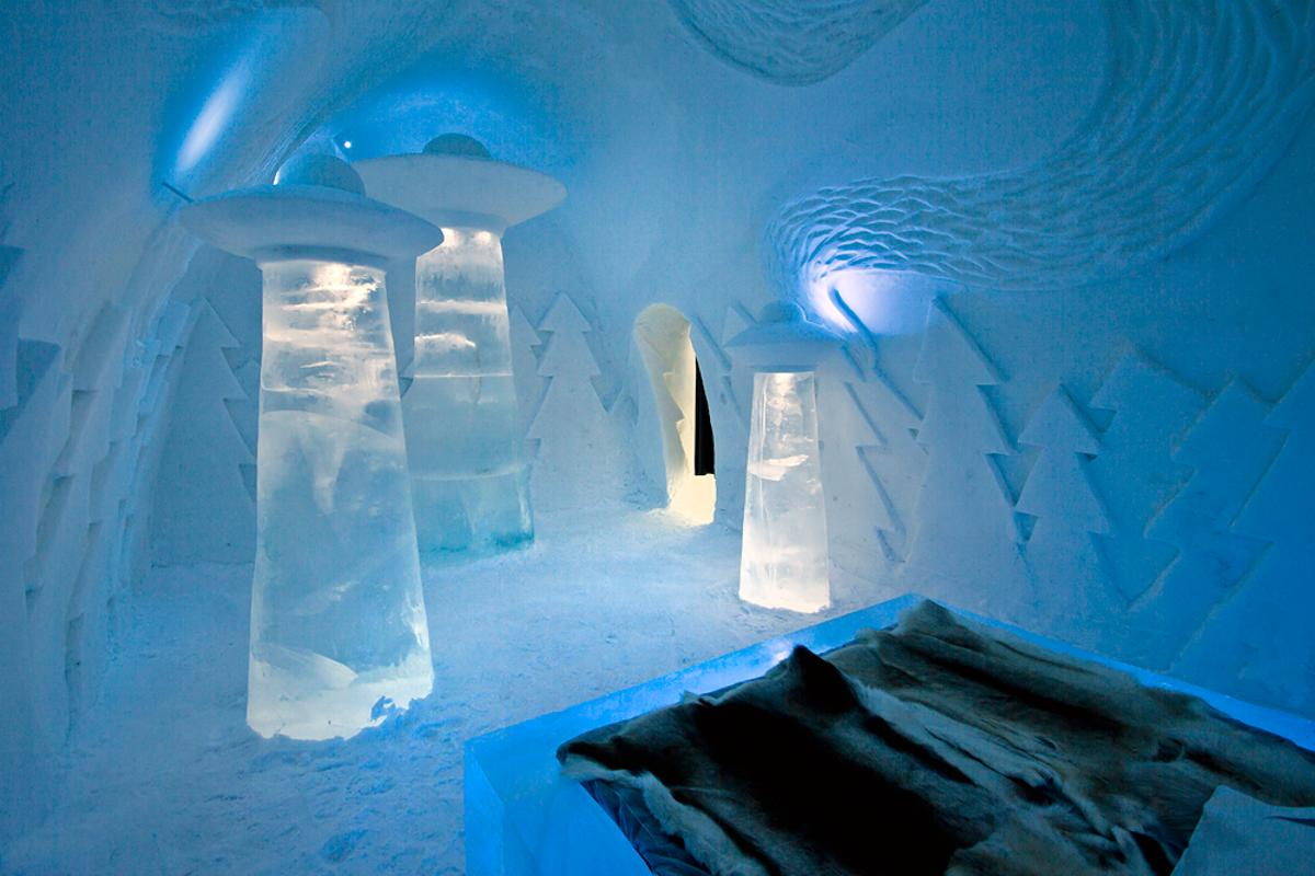 PinPin design studio has created an impressive suite entitled 'Beam Me Up' as part of the 23rd Icehotel, Sweden