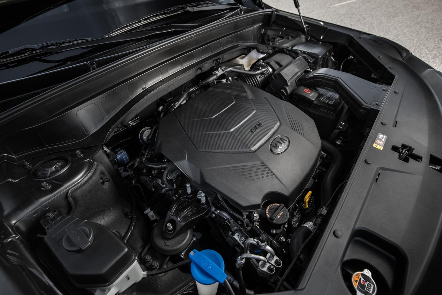 Powering the big new Telluride is a 3.8-liter V6 that produces 291 horsepower (217 kW) and 262 pound-feet (355 Nm) of torque