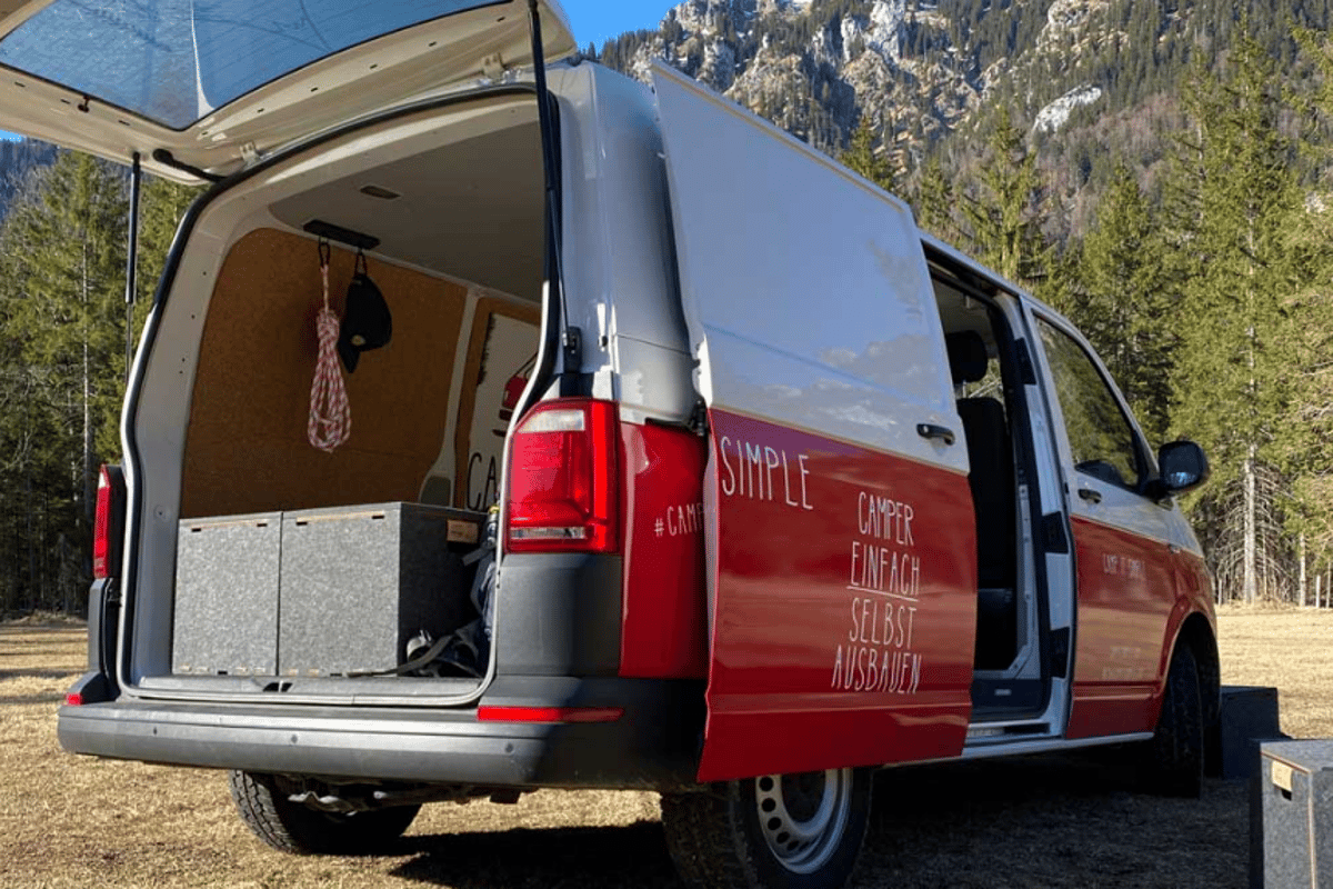 Camp it Simple Cubes create a flexible VW sleeper van