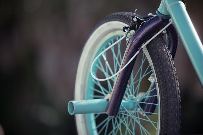 The front forks sport stunt pegs for your feet and hold a 26-inch BMX wheel
