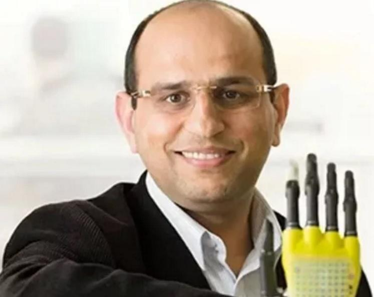 Graphene produxtion breakthrough: Dr Ravinder Dahiya of the University of Glasgow's School of Engineering led the research team