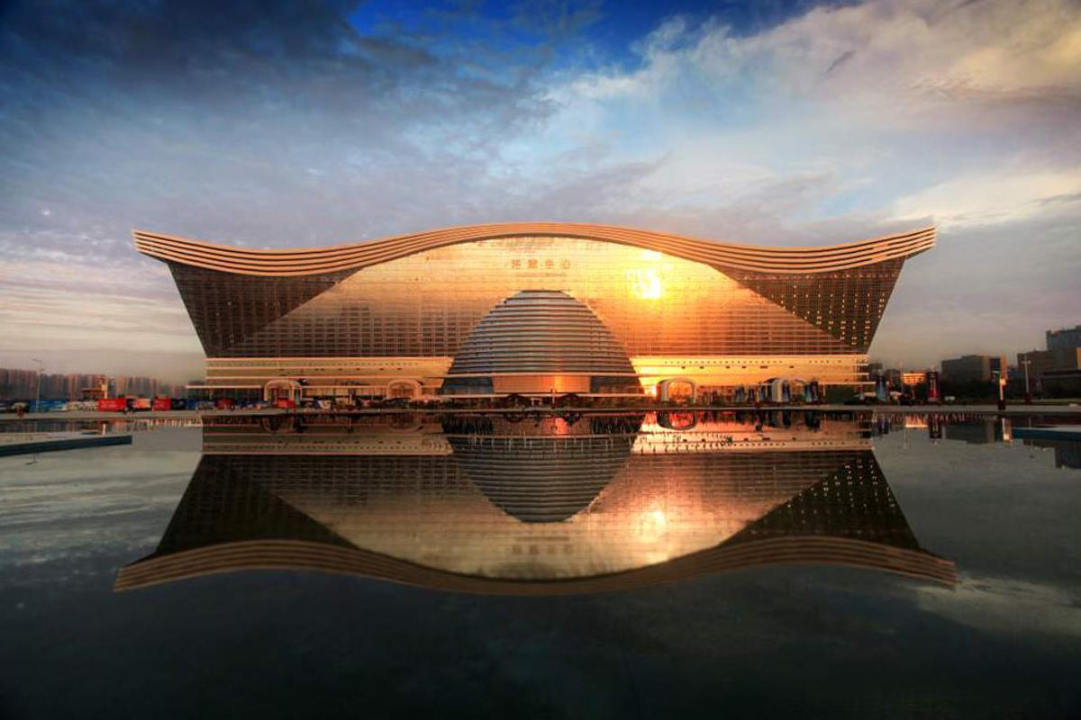 The world's largest building has opened for business in China (Image: ETG)