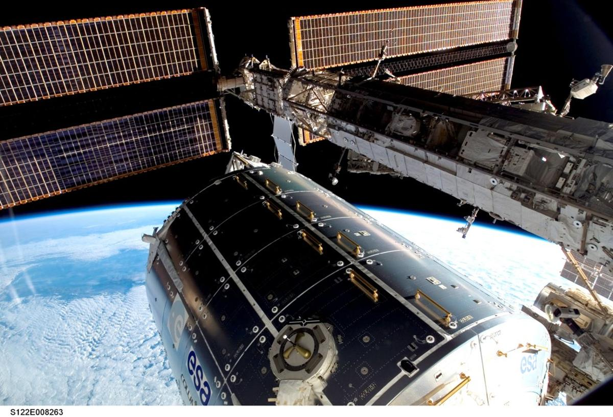 ESA projected a 10-year orbital life for the Columbus Laboratory