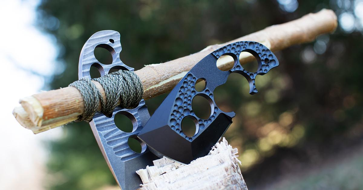 Pocket-sized Axxis axe mounts to a handle to turn into a heavy hitter