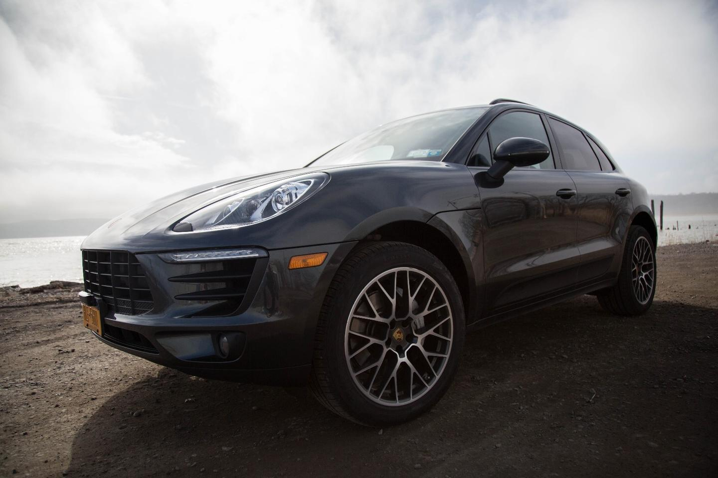 The new Porsche Macan S will hit 100 km/h (62 mph) in five seconds
