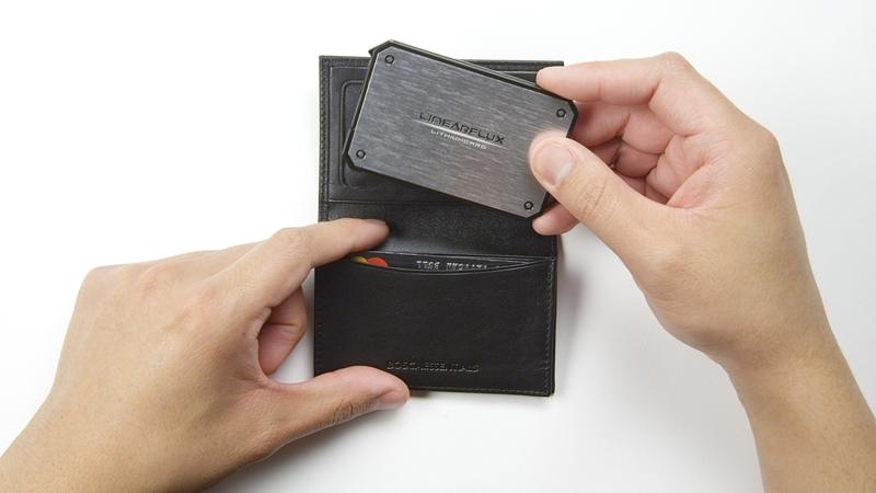 LinearFlux's new credit-card-sized LithiumCard portable charger