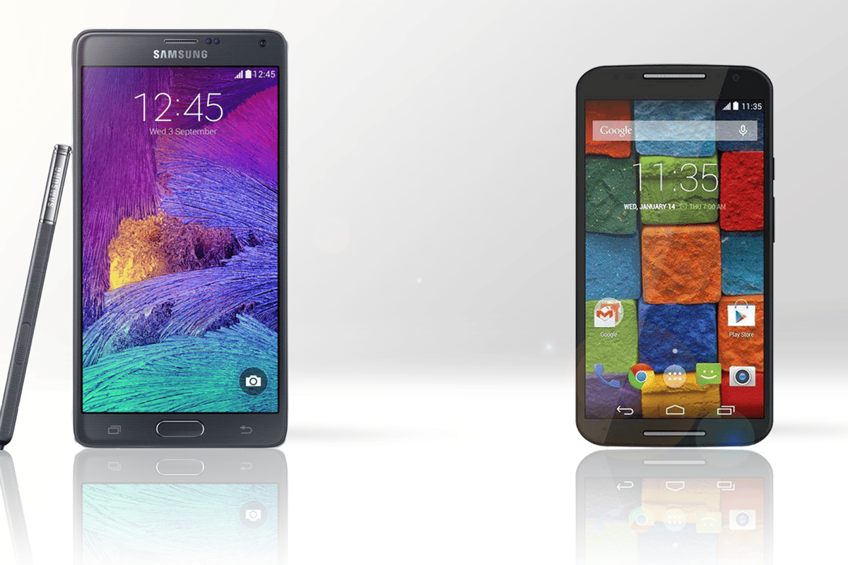 The Samsung Galaxy Note 4 (left) and Moto x (2014) (right)
