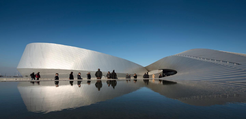The Blue Planet Aquarium, Denmark, by 3XN Architects (Photo: Adamm Moerk)