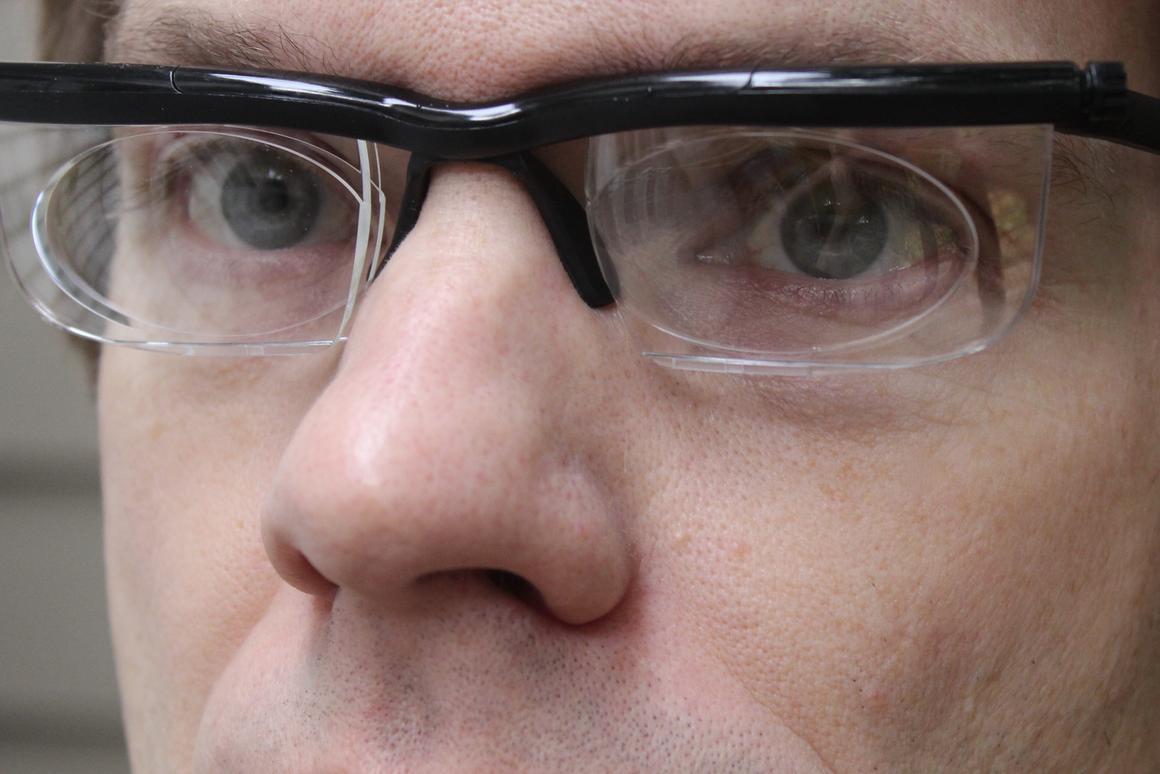 Gizmag tries out the Adlens Adjustables variable-focus glasses
