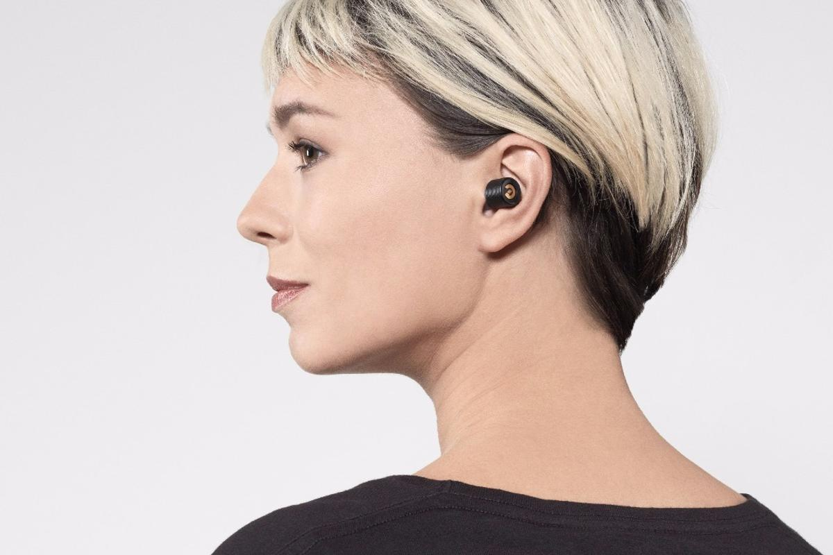 The Earin Bluetooth earphones are now available to buy