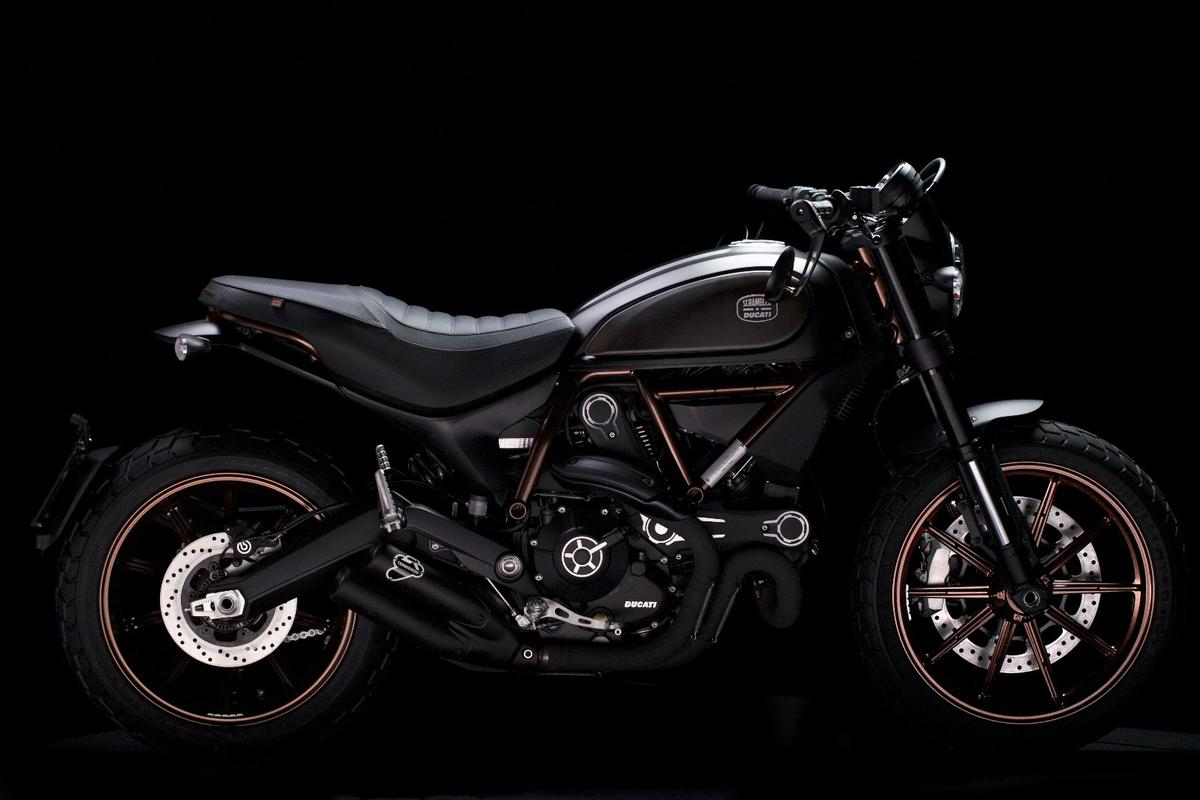 Italia Independent Ducati Scrambler limited edition – unit number 1077 or 1077
