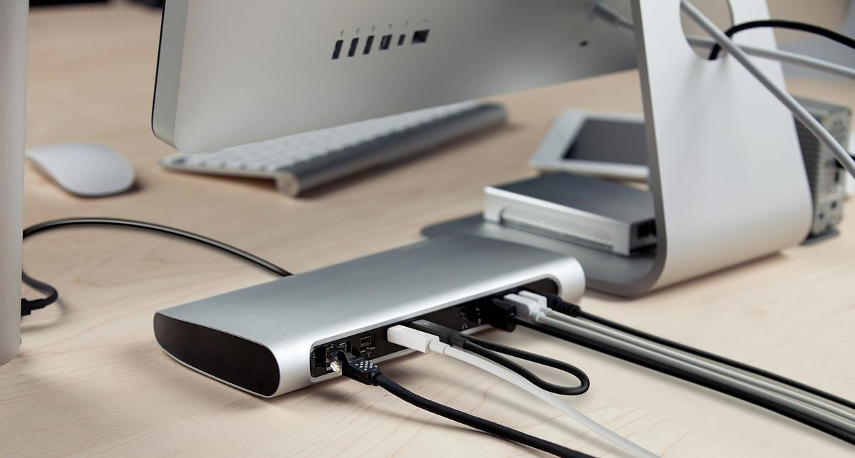 Belkin's Thunderbolt Express Dock supports the connection of up to eight peripherals
