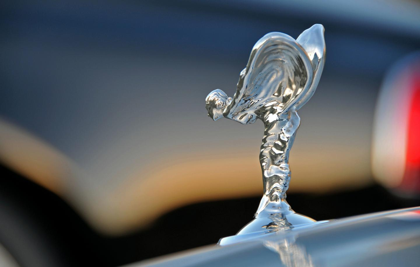 Rolls-Royce has announced the development of a new convertible for 2016