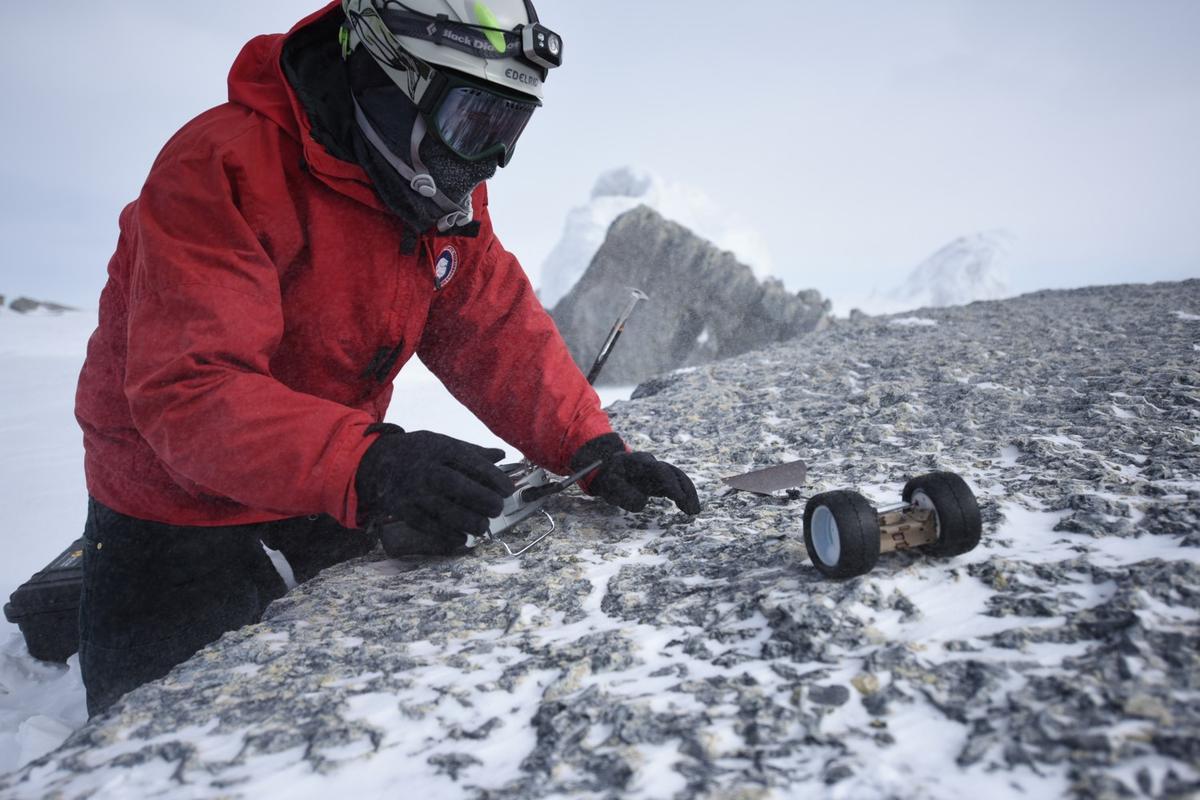 Pufferduringfield testing in thesnow at Antarctica's MtErebus