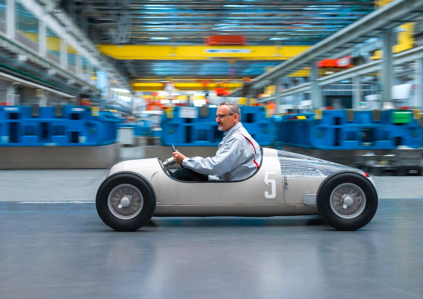 Audi has used its 3D printing technology to create a half-scale replica of the 1936 Auto Union Typ C
