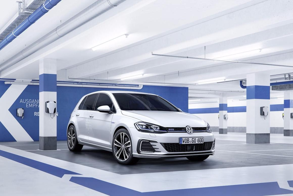 Cars like the new Golf are loaded with sensors and cameras – VW and Mobileye want to use them to build a clearer picture of the current road network