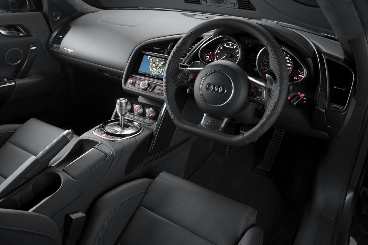 The interior of the Audi R8 V10 plus