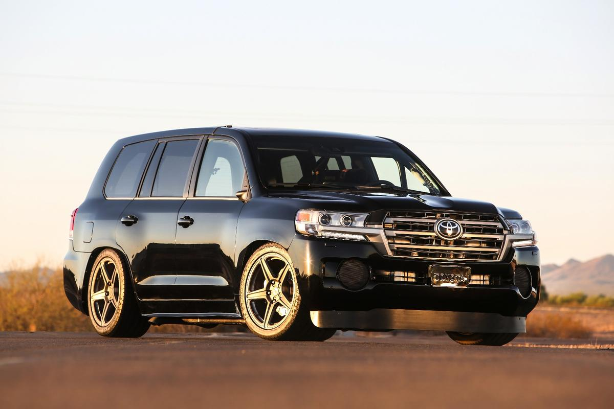 The Land Speed Cruiser looks noticeably lower, but it doesn't necessarily look like a 2,000-hp beast hungry for world records