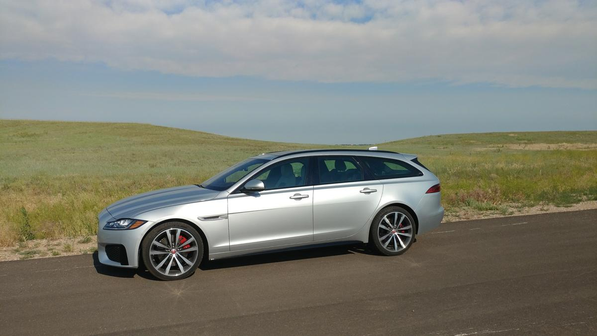 The estate body style of the XF Sportbrake brings better balance to the car's drive dynamics