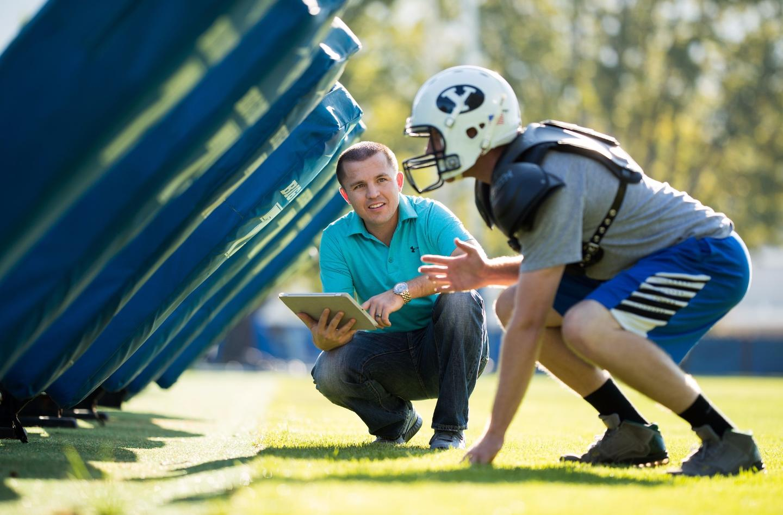 The smartfoam sensor replaces the standard foam interior of an American football helmet