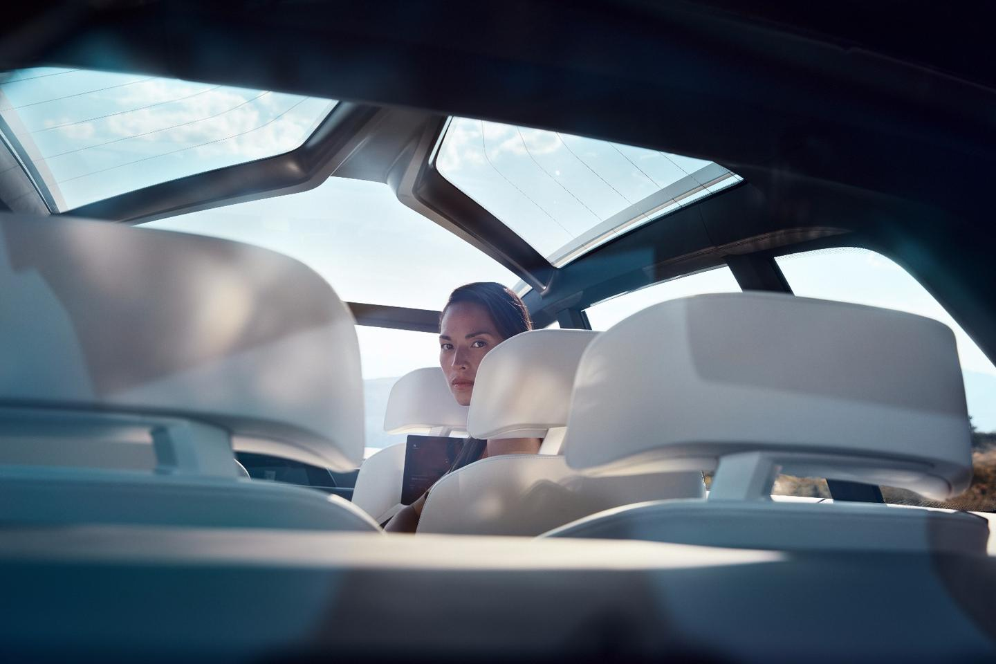 The giant panoramic roof on the X7 iPerformance is designed to make the cabin feel light and airy