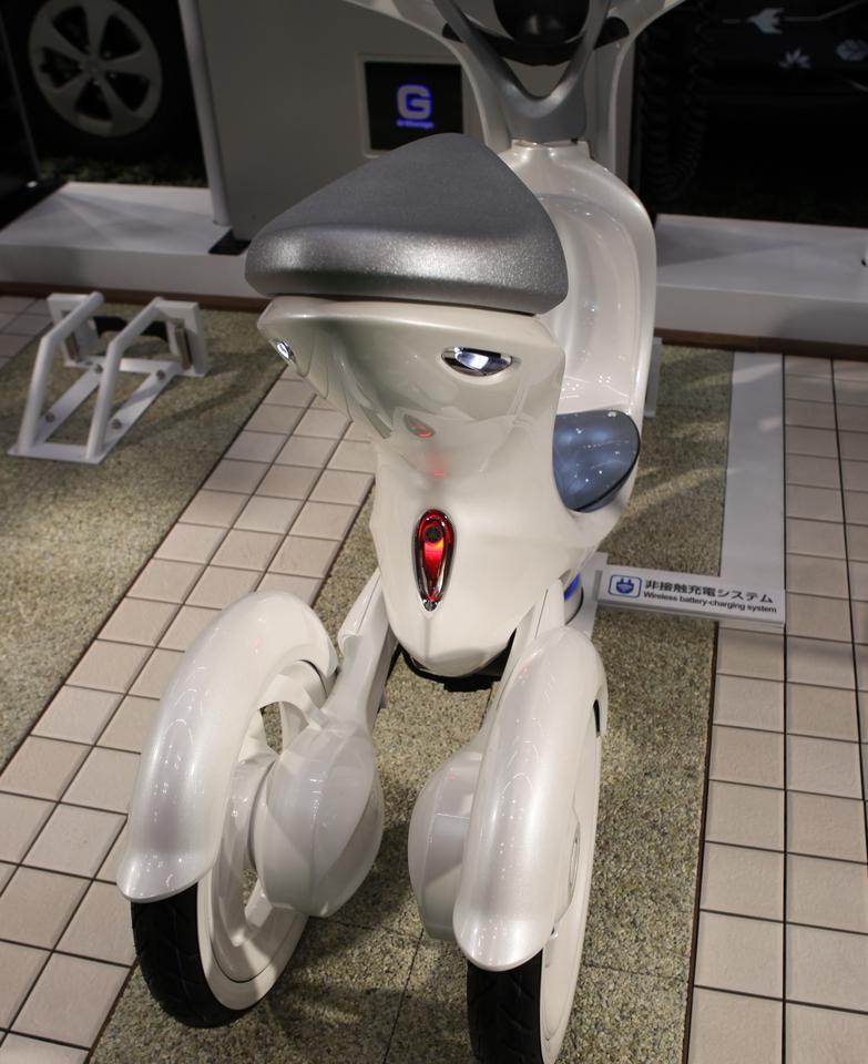 The Yamaha EC-Mui on display in Tokyo