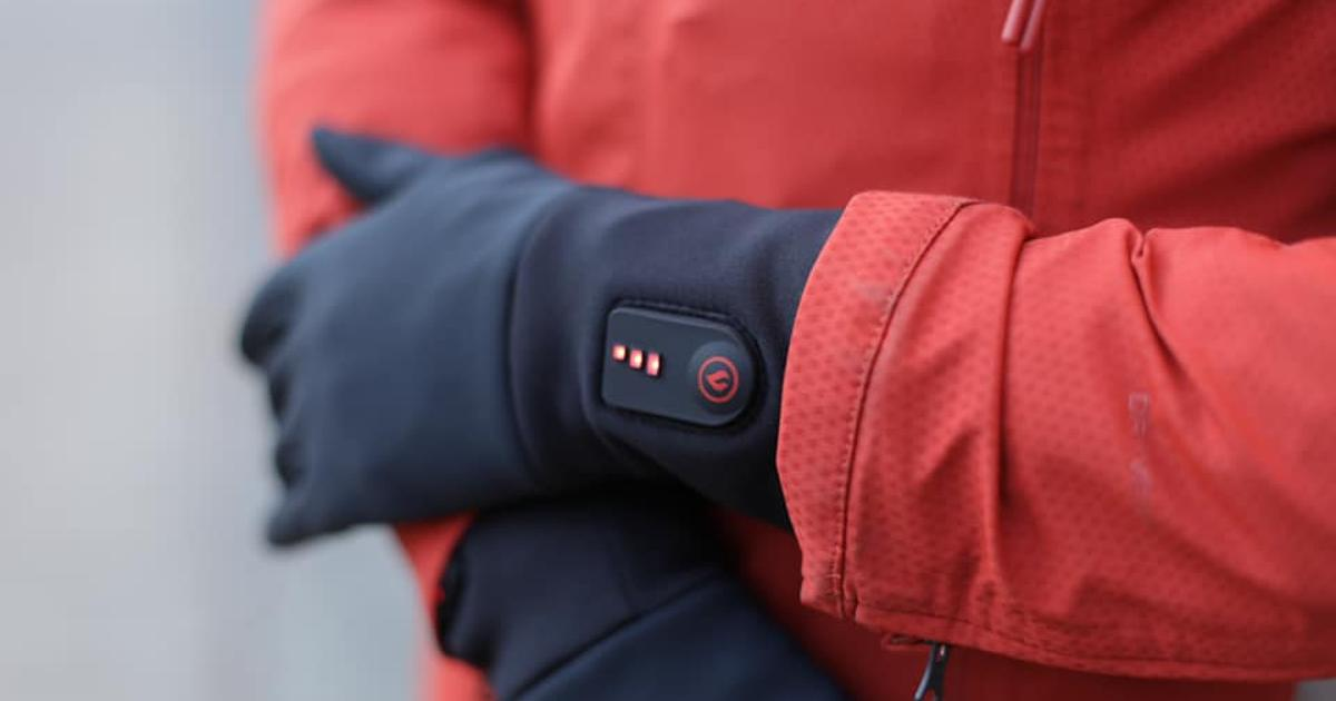 Phone-friendly heated gloves are made for urban use