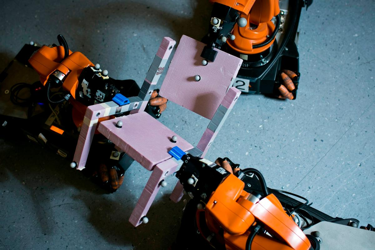 The MIT team's algorithm takes a different approach to existing methods, deferring difficult grip-related decisions until the easier parts of the task are complete