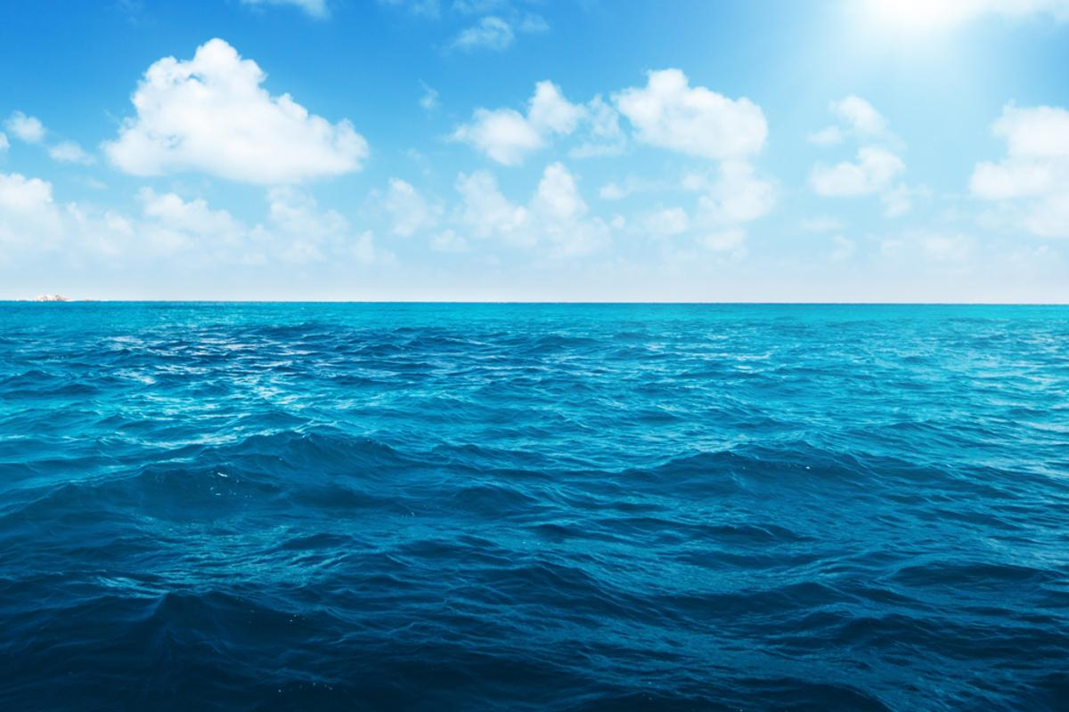 Scientists have found huge freshwater reserves under the world's oceans (Photo: Shutterstock)