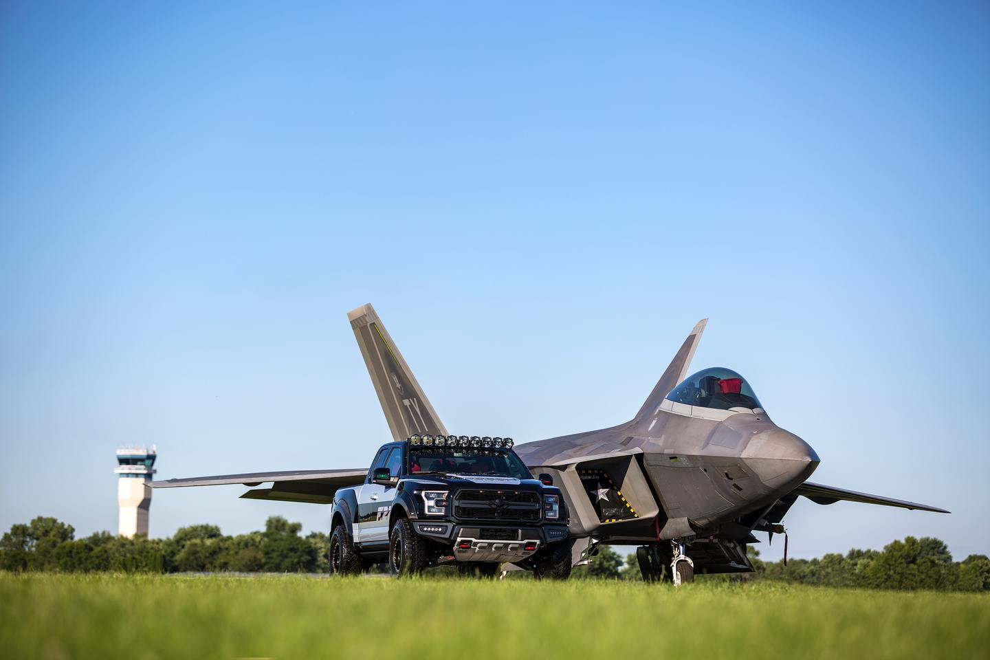 Ford grounds F-22-style design with the all-new F-22 F-150 Raptor