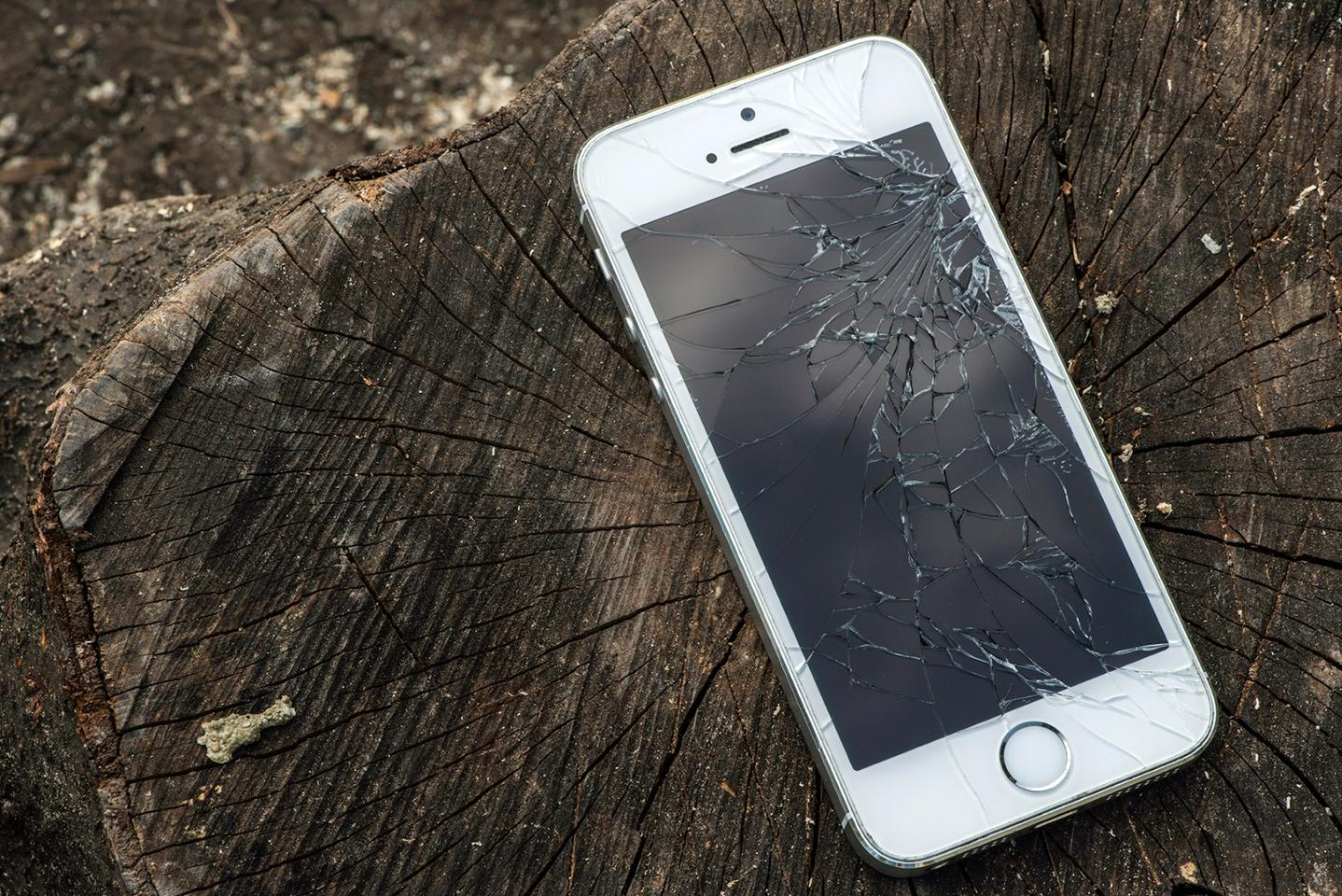 Broken displays are common problem in the smartphone era