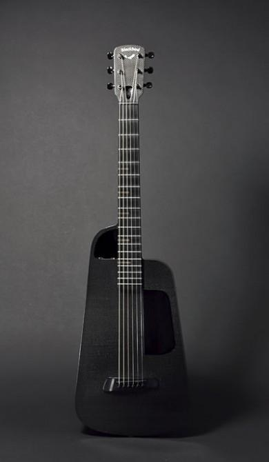 Blackbird's Rider carbon fibre acoustic guitar
