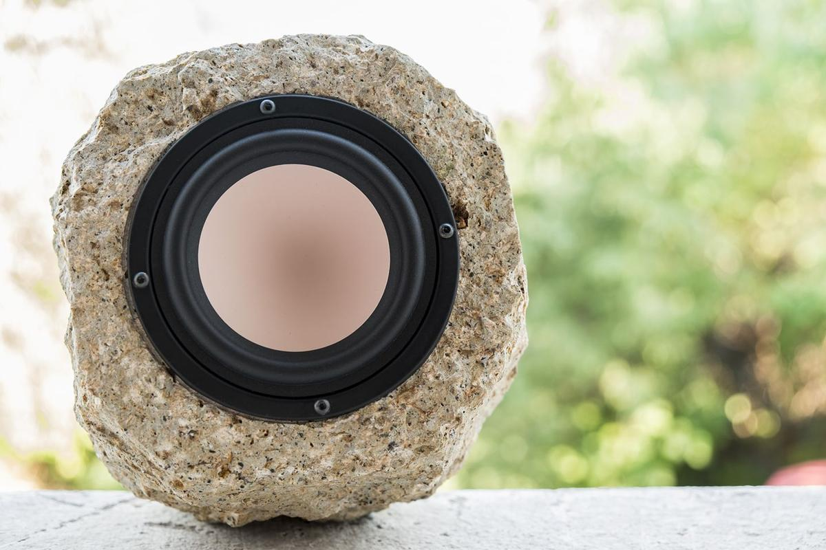 The Stones Speakers 482 Petrina, with a single 4-inch full-range driver