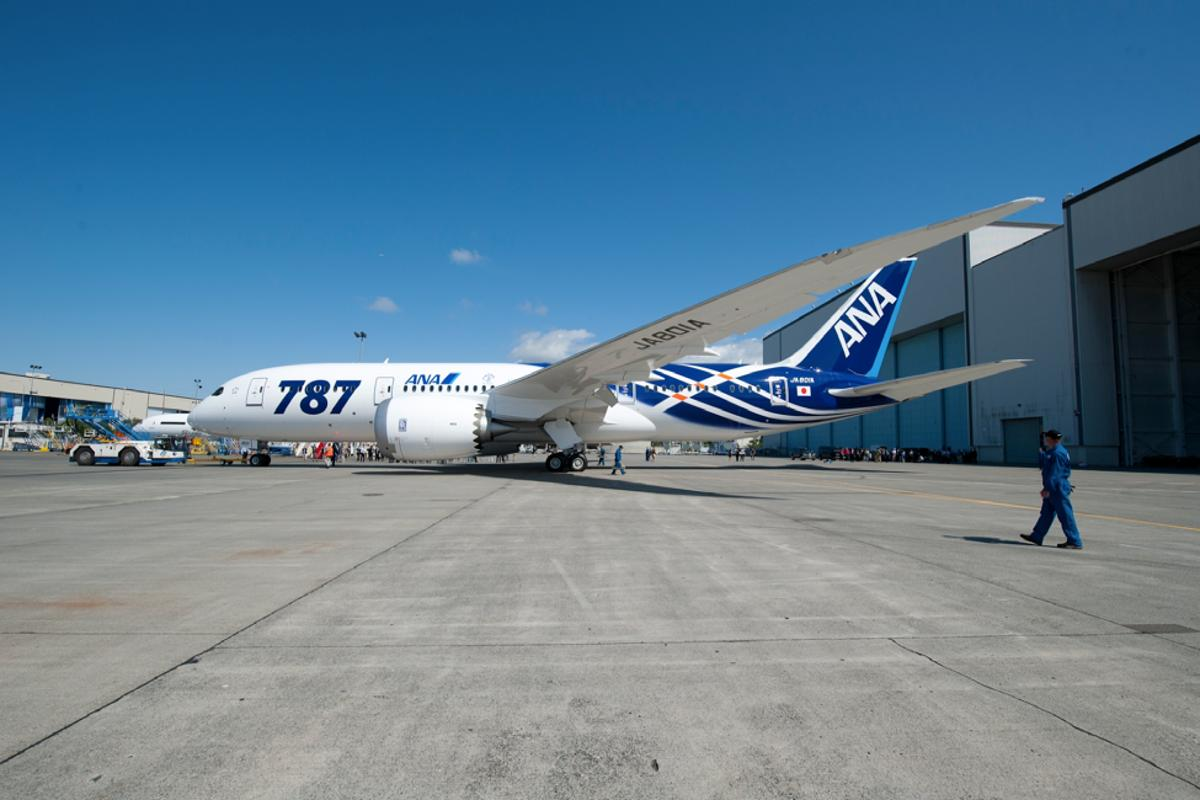 ANA's first 787 Dreamliner rolled out of Boeing's paint hangar on August 6 (Photo: Boeing)