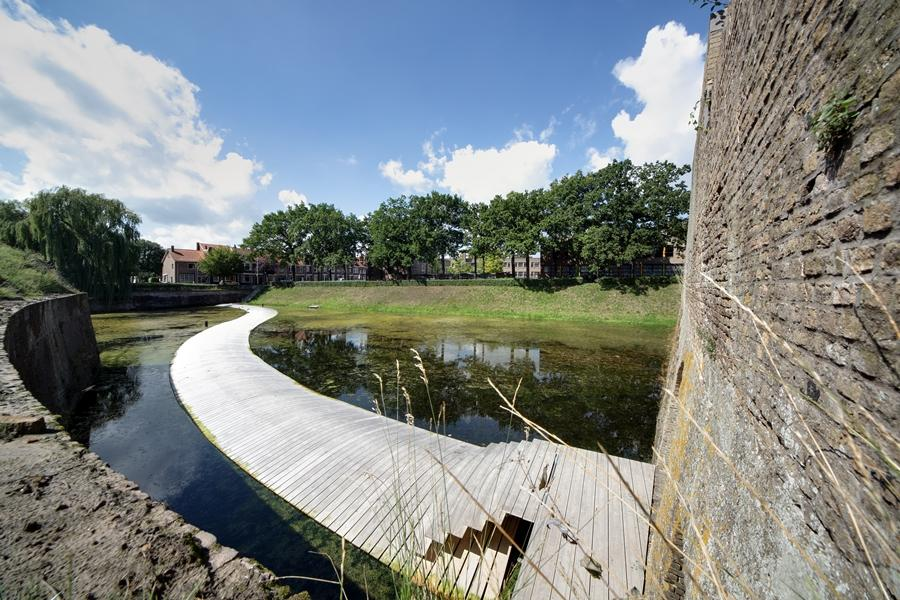 Ro-Ad Architects has designed a floating bridge at Ravelijn fortress