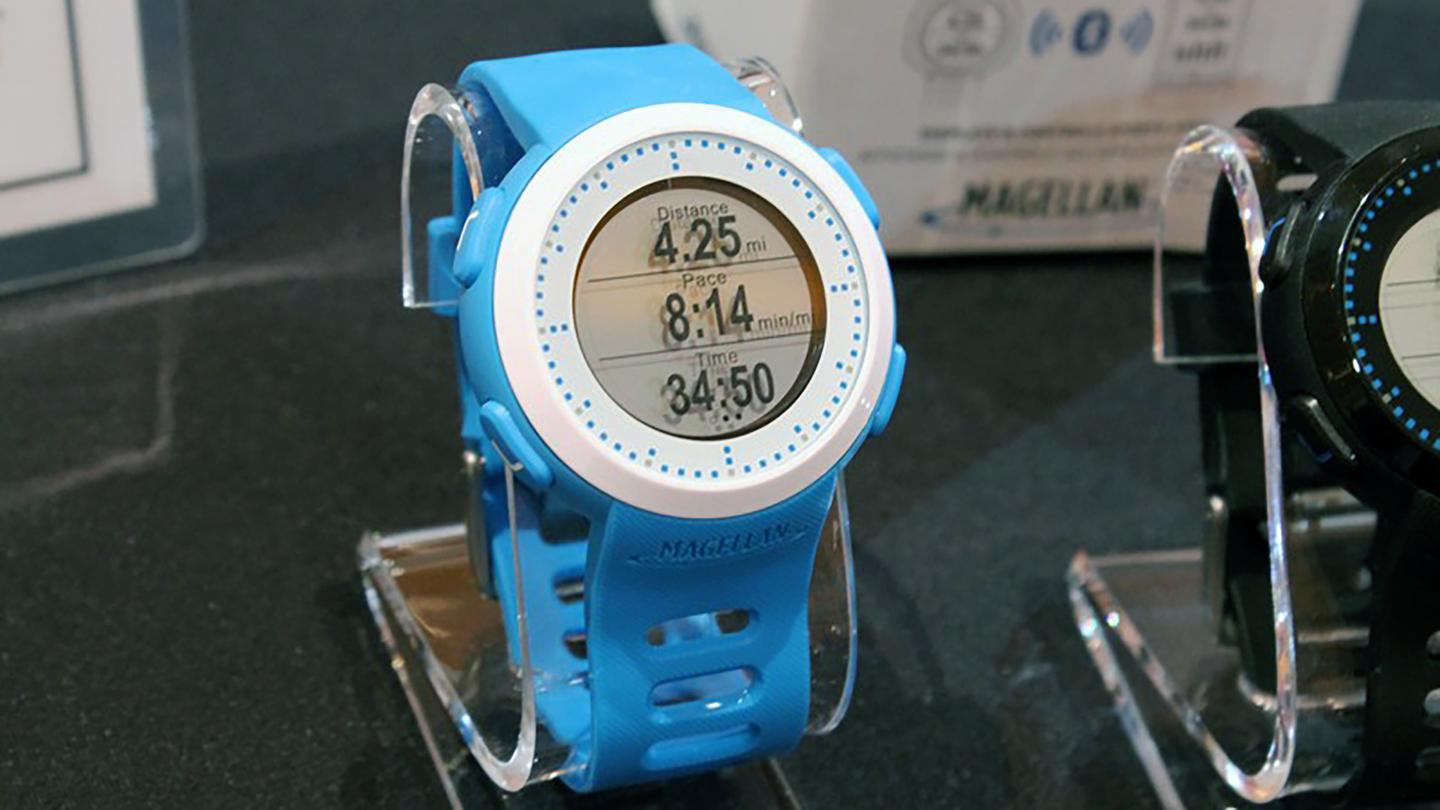 Magellan's new fitness wearable hides some significant functionality in a colorful shell (Photo: Eric Mack/Gizmag)