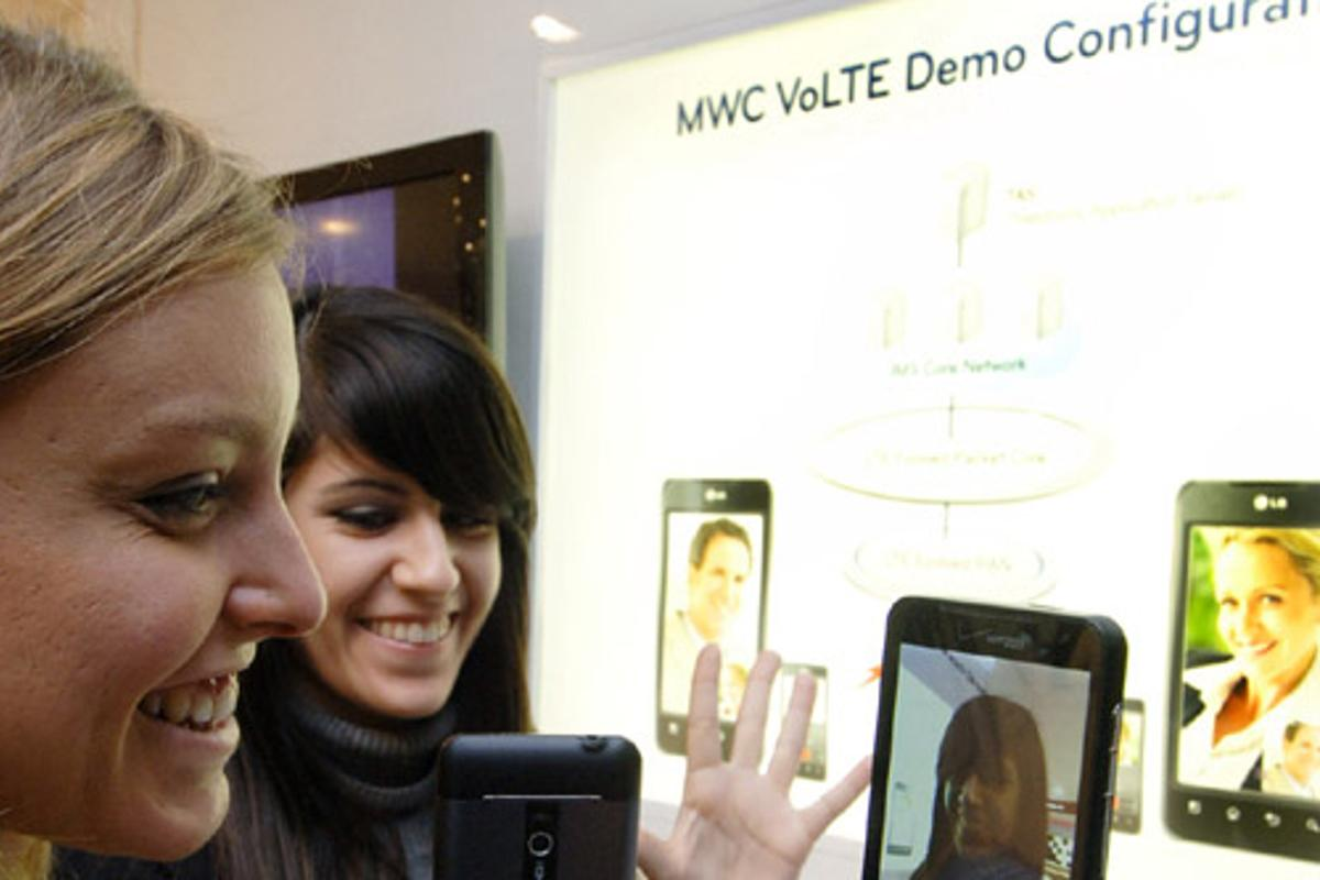 LG is demoing voice and video calls over LTE on its Revolution smartphone at this year's MWC