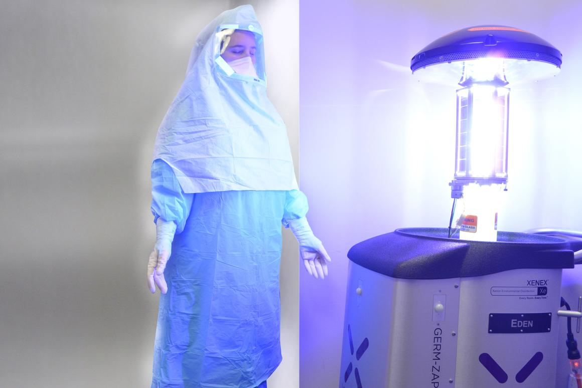 Xenex's robots us UV radiation to kill Ebola viruses