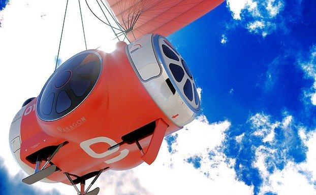 The World View balloon capsule lifts free of Earth (Photo: World View Enterprises)