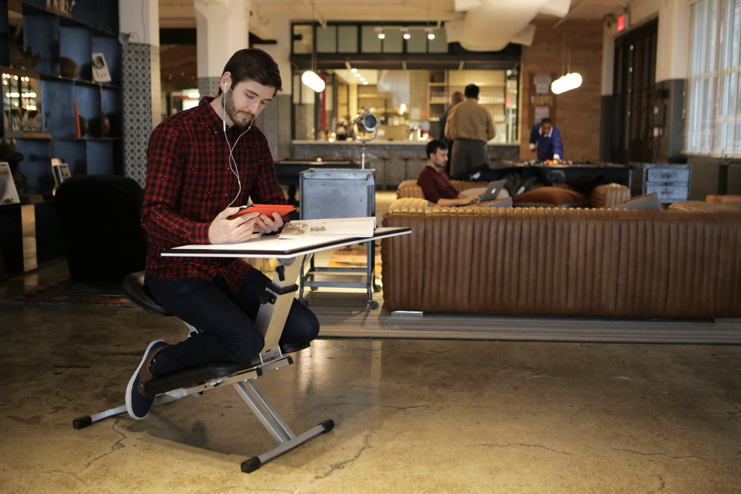 The Edge Desk is ergonomic, adjustable, portable, modular, and (arguably) affordable