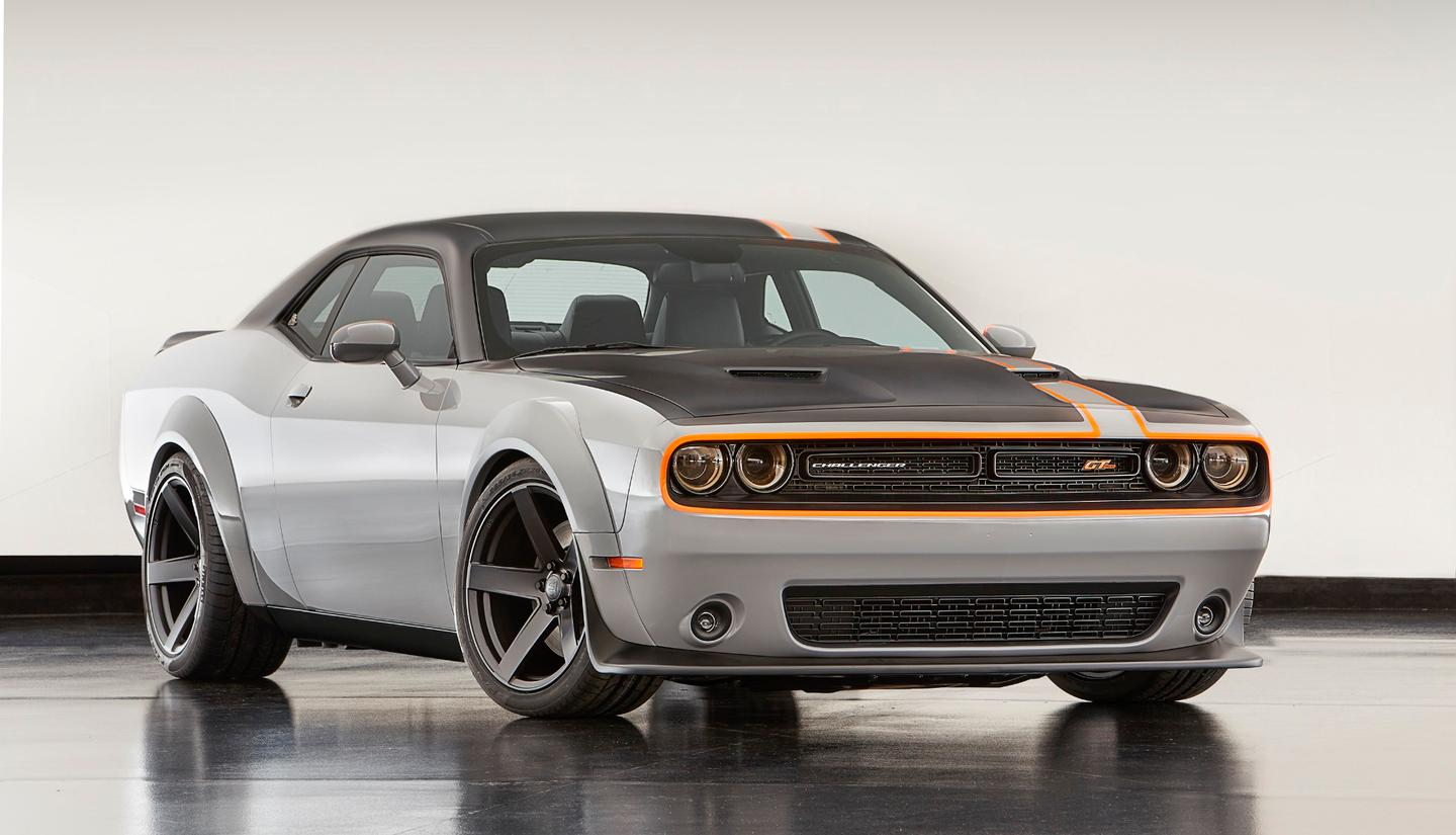 Few things for American muscle car fans can elicit the kind of drooling that a Dodge Challenger GT with all-wheel drive can
