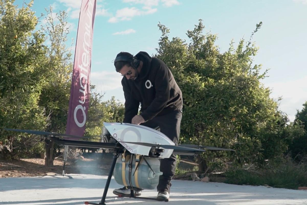 Record-breaking hybrid quadcopter flies for over 10 hours